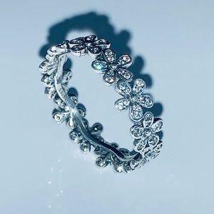 Authentic pandora daisies ring size 7‼️💥💕🌺🌸☀️